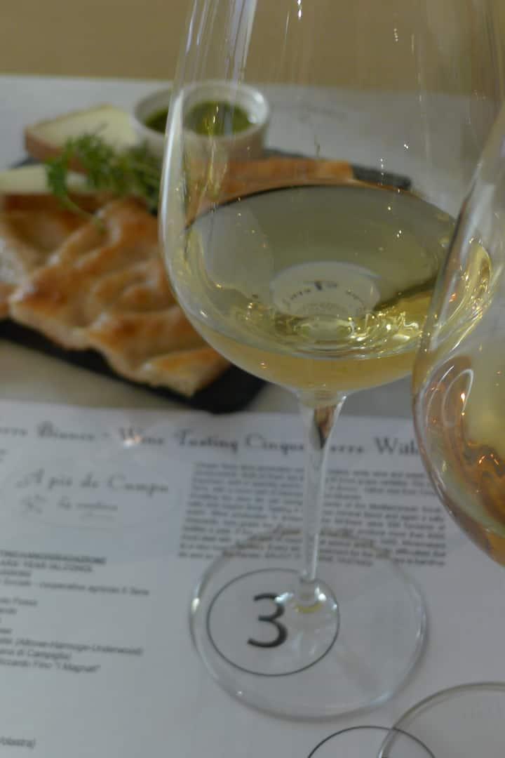 vino bianco Cinque Terre