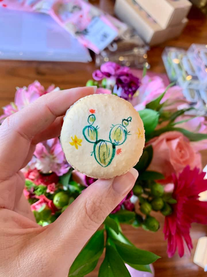 Decorate macarons with edible paint