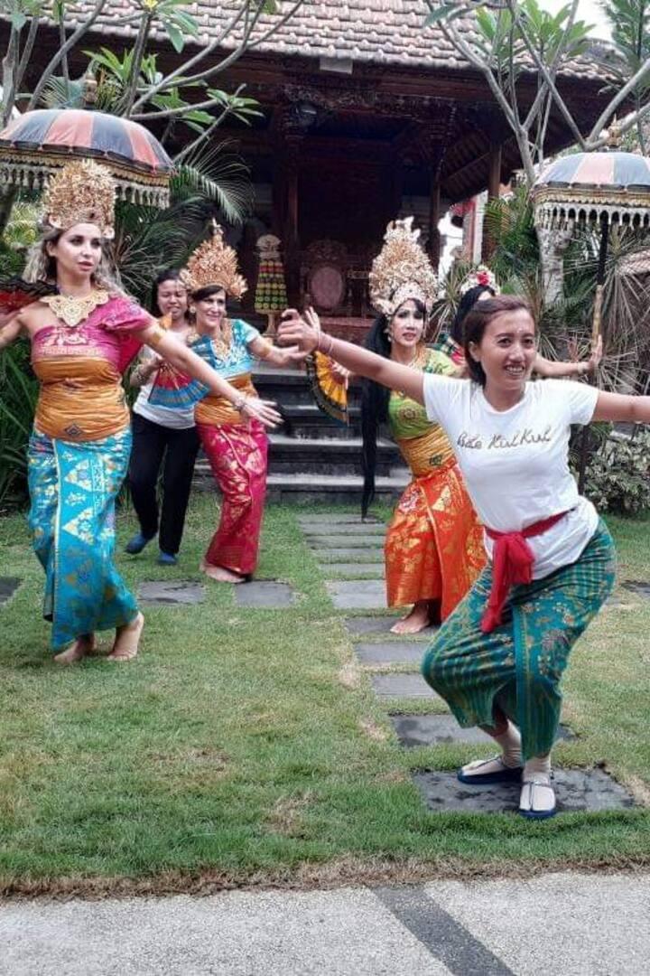 Practice balinese dance