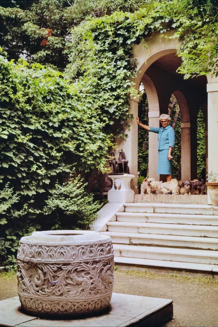 Peggy Guggenheim in the garden