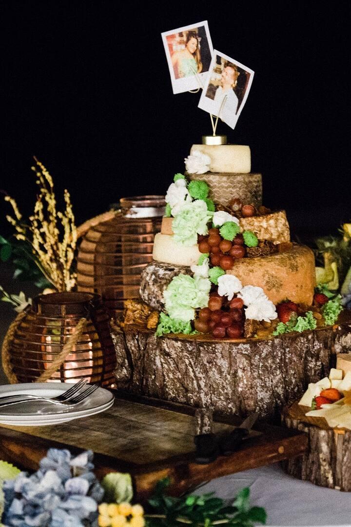 "A wedding "" cheese "" cake"