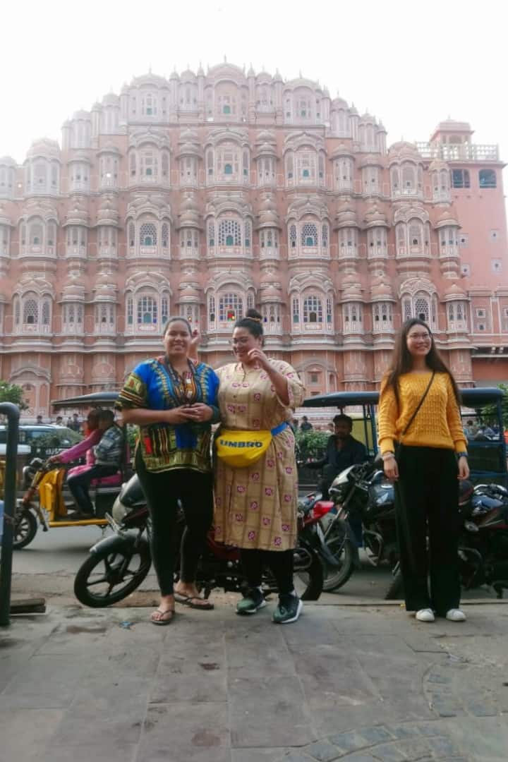Hawa Mahal Market Walk