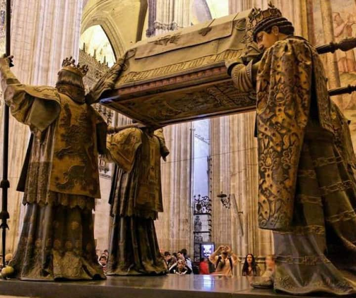Tumba Cristobal Colón (Catedral)