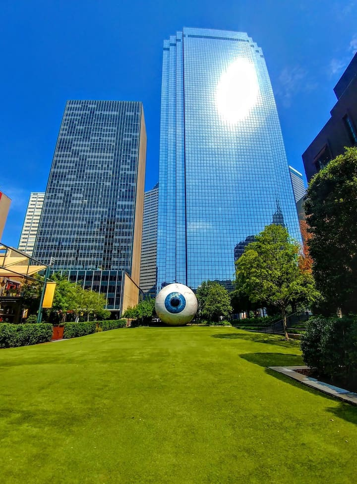 Tony Tassell Eye Sculpture