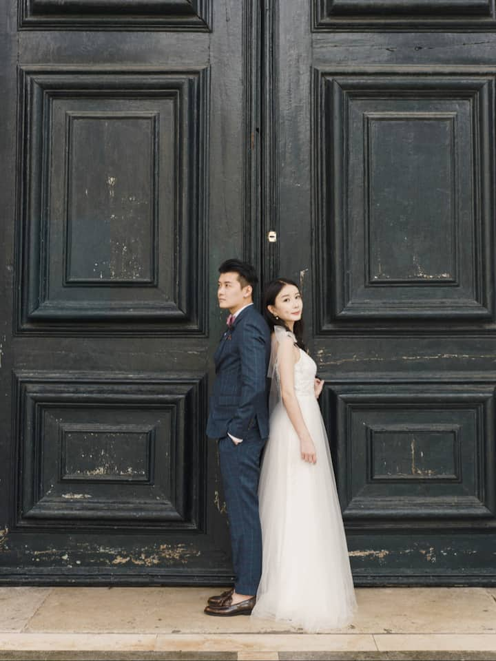 Couple Honeymoon Photoshoot in Venice