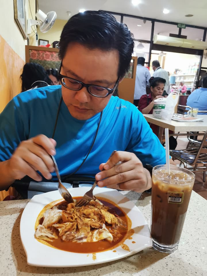 Roti Canai with lots of curry
