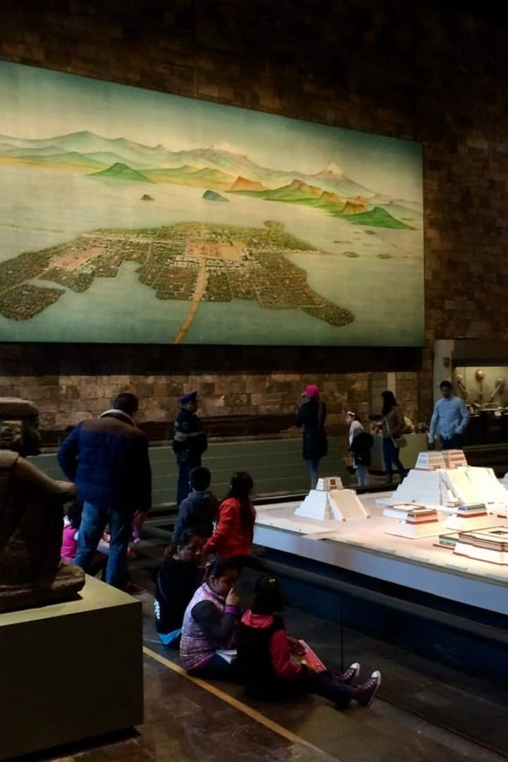 Mural and model of Tenochtitlan