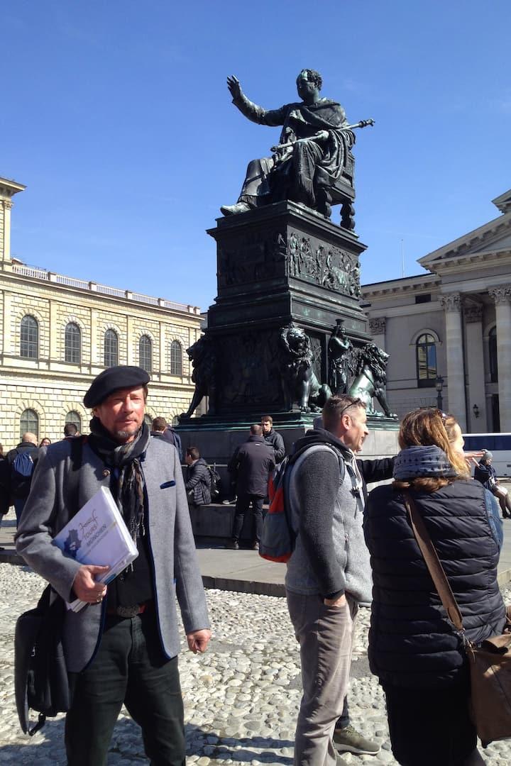 Auf Tour! Max-Joseph-Platz und die Oper