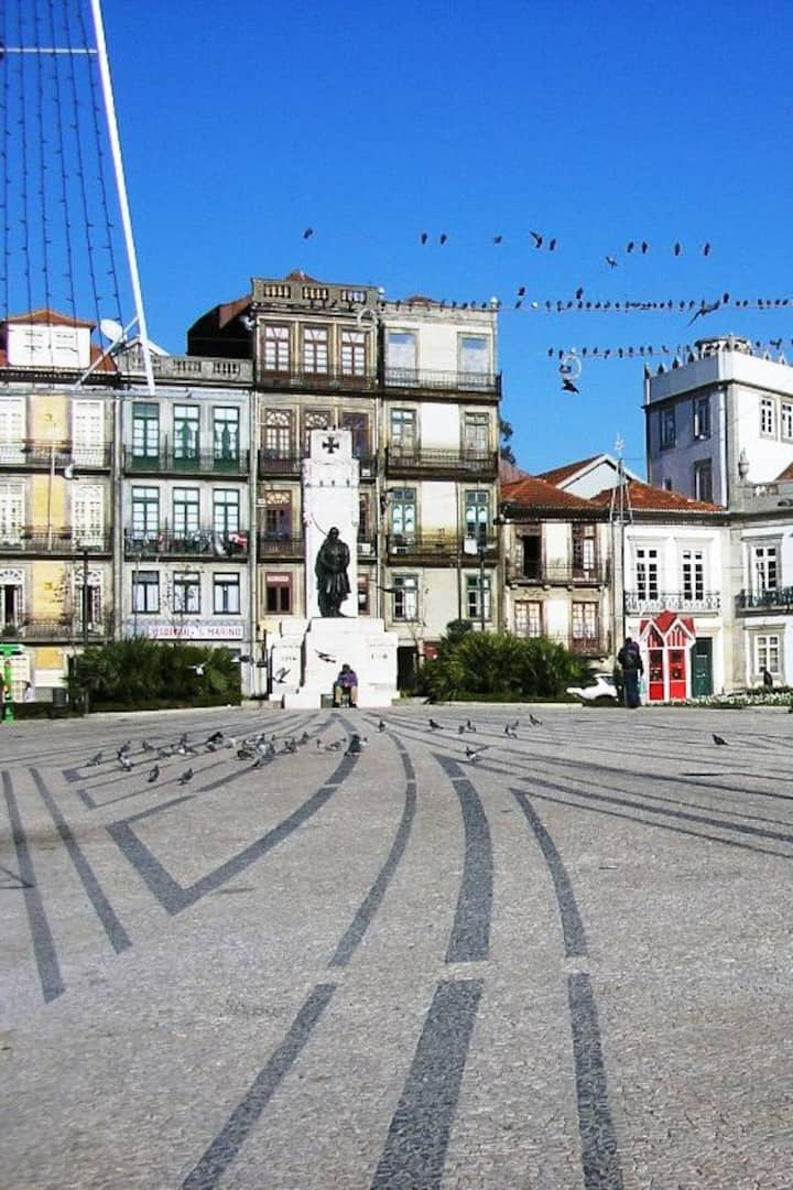 Meeting Point - Praça de Carlos Alberto