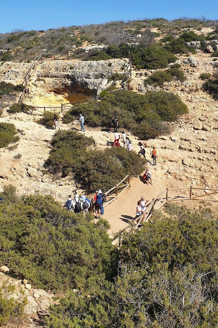 Vista sob algumas das grutas