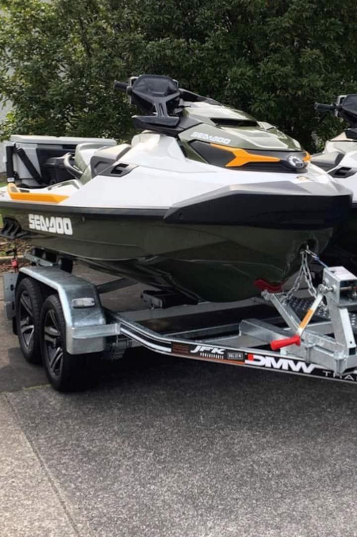 2020 Jet Ski Sea-Doo Fish Pros x (2)