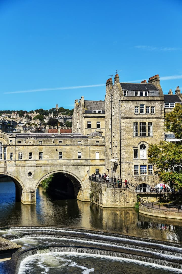 Pulteney Bridge and River Cascades