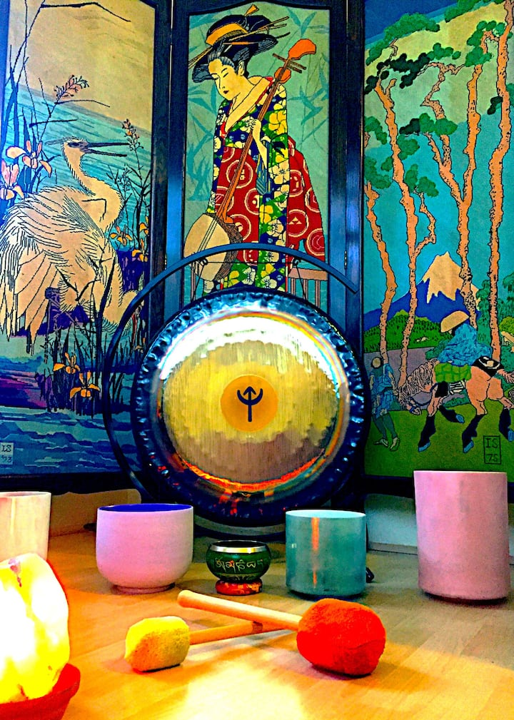 singing bowls & gong