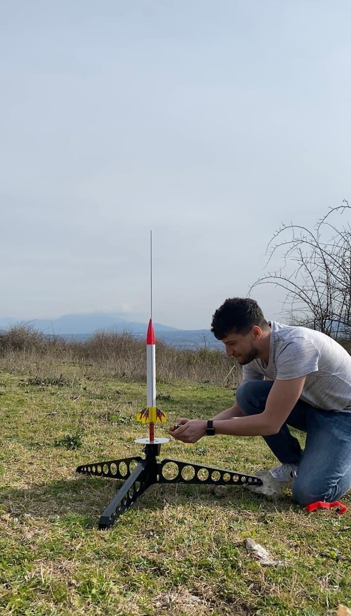 Accendo il motore di un razzo
