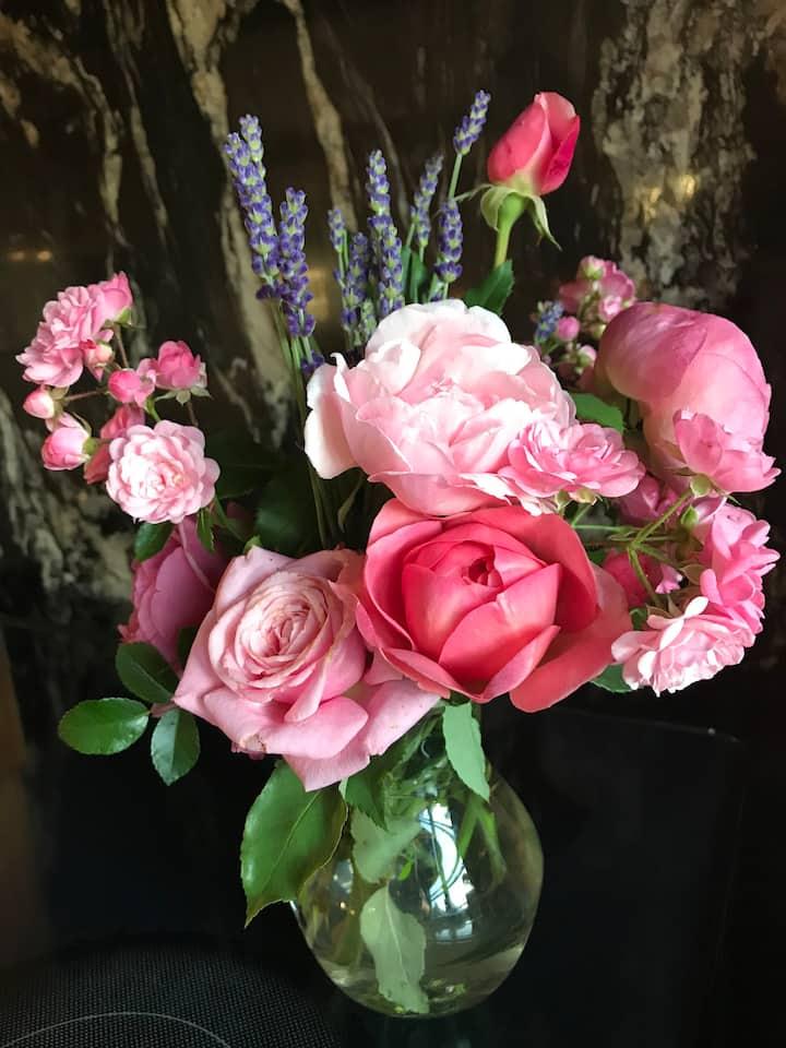 An Akronside gathering - rose & lavender