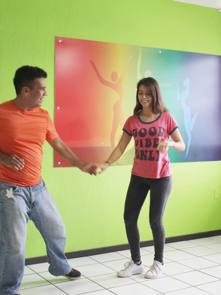 Learn the most used steps in Cuban Salsa