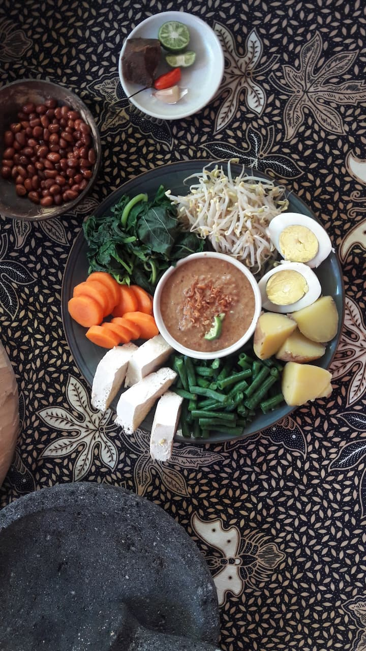 Fresh and Tasty Gado-Gado