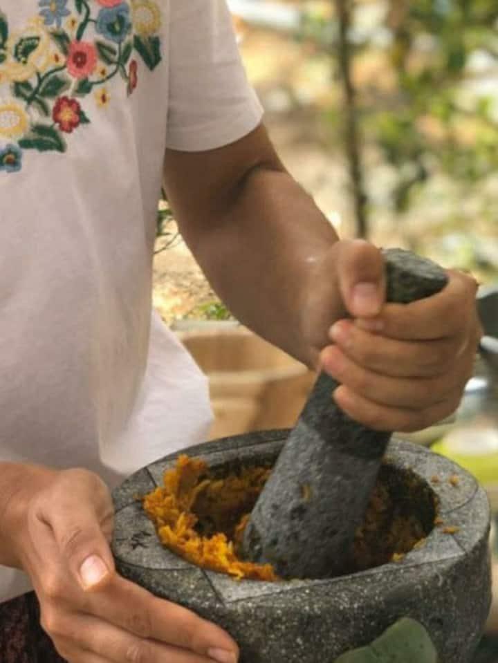 Making Khao Soi from scratch