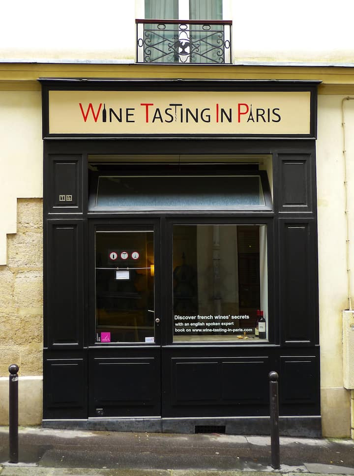 Live from the wine shop in Paris