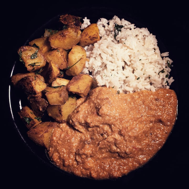 Butter chicken, Potatoes & Jeera rice
