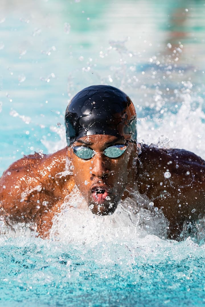 Instructor Jamal Hill wins Int'l medal