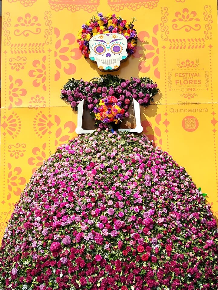 Learn about Dia de Muertos in Mexico