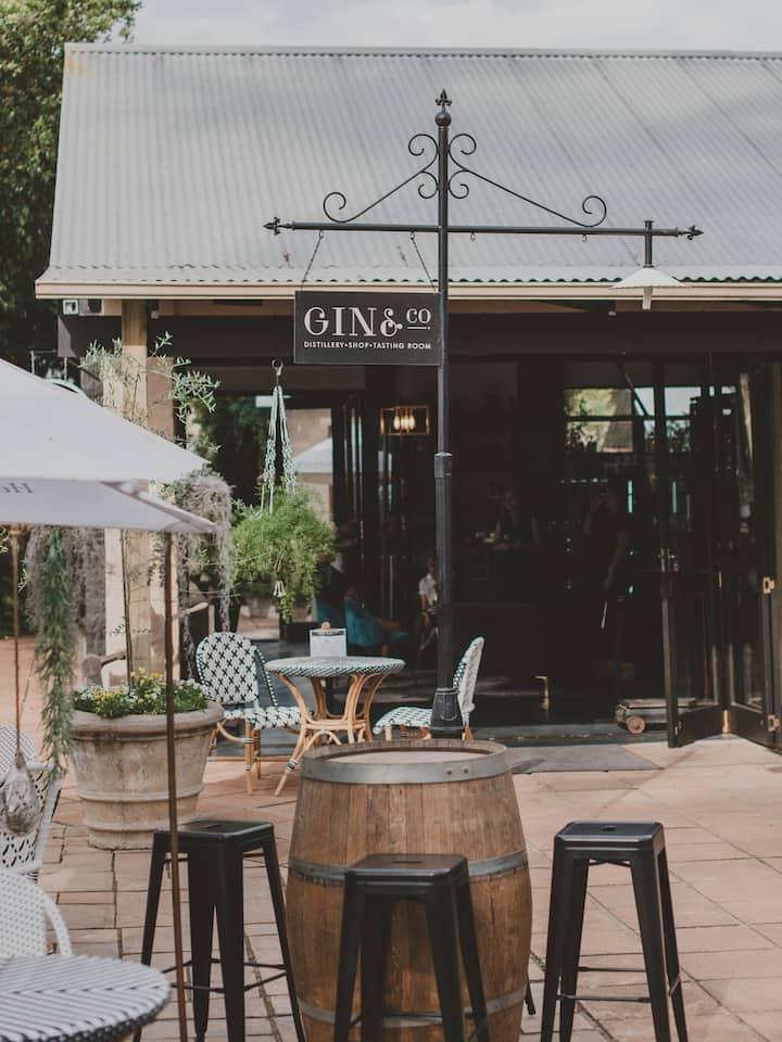 Gin & Co Entrance