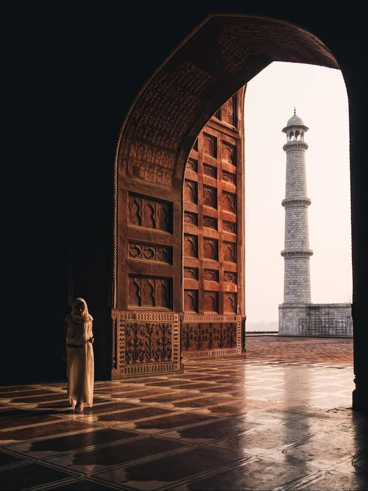 View of a minaret of the Taj Mahal