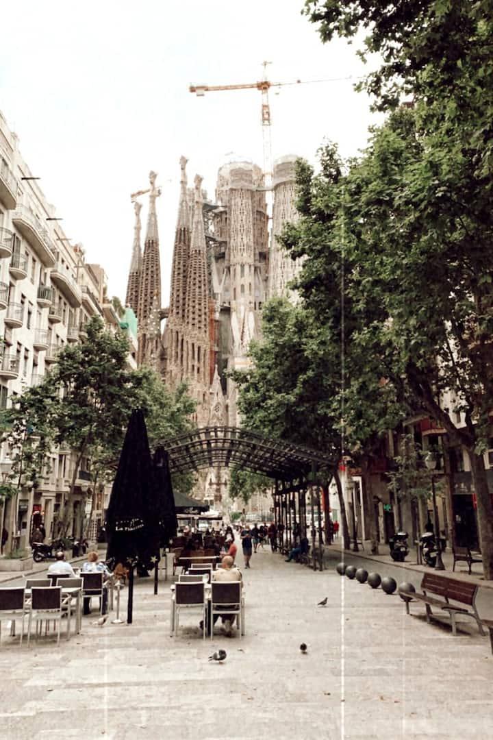 Paseo de Gaudí!