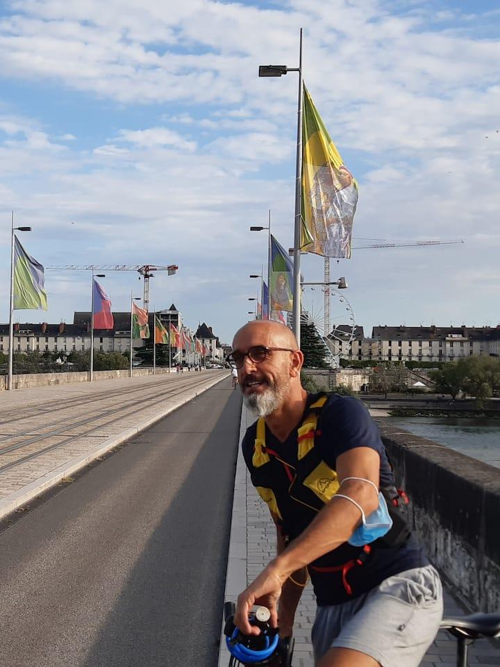 pont wilson réservé aux vélos et piétons