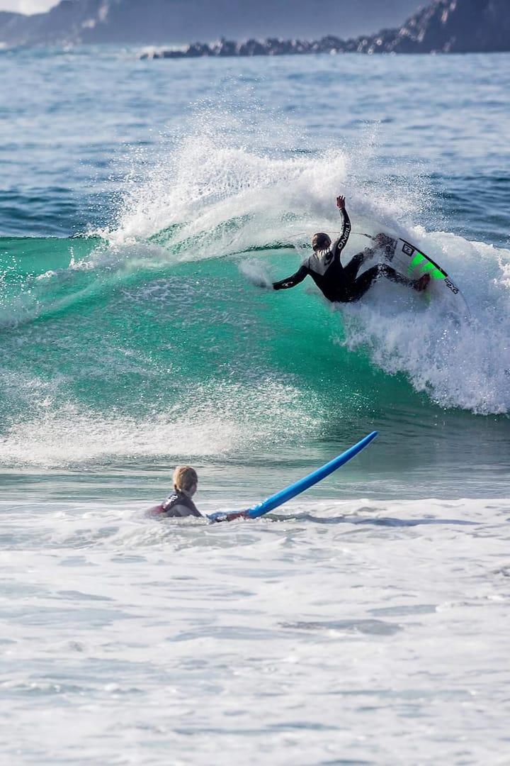 Advanced surfing techniques