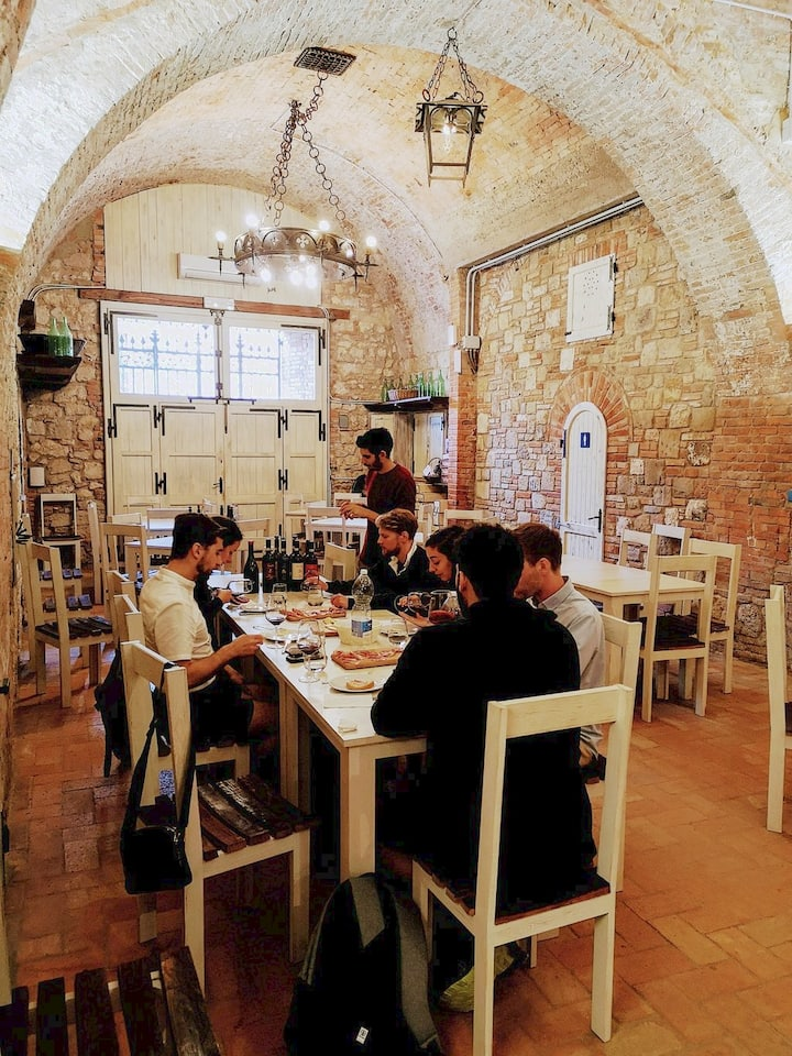 Pairing lunch in a winery