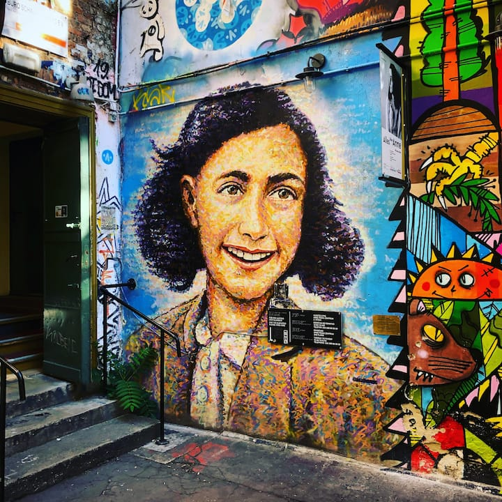 Anne Frank Graffiti