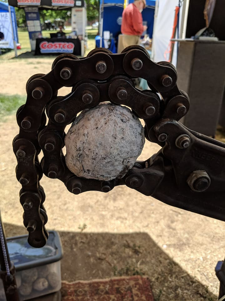 One of the devices used to open geodes
