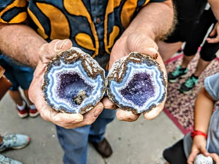 Beautiful Amethyst geode with blue agate