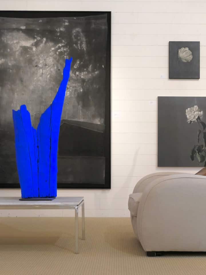 Visit a contemporary art gallery