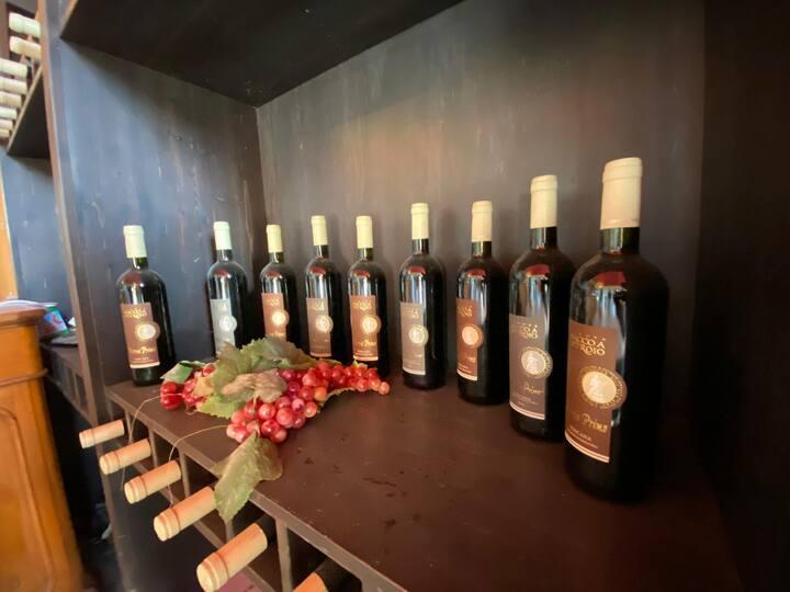 Alcuni vini pronti per la degustazione