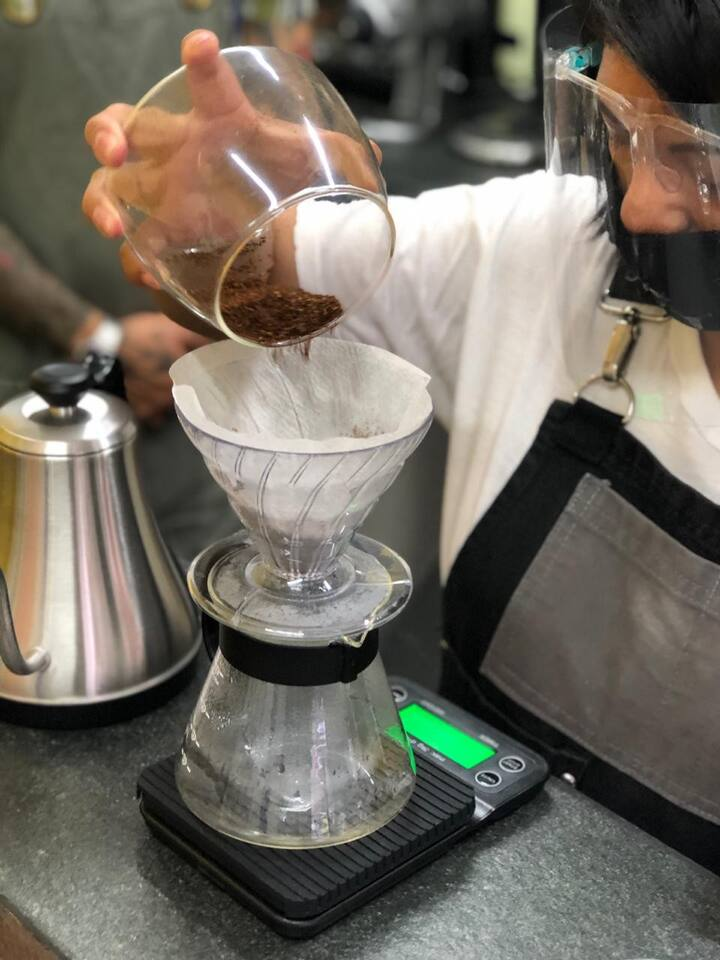 Showcasing our V60 extraction