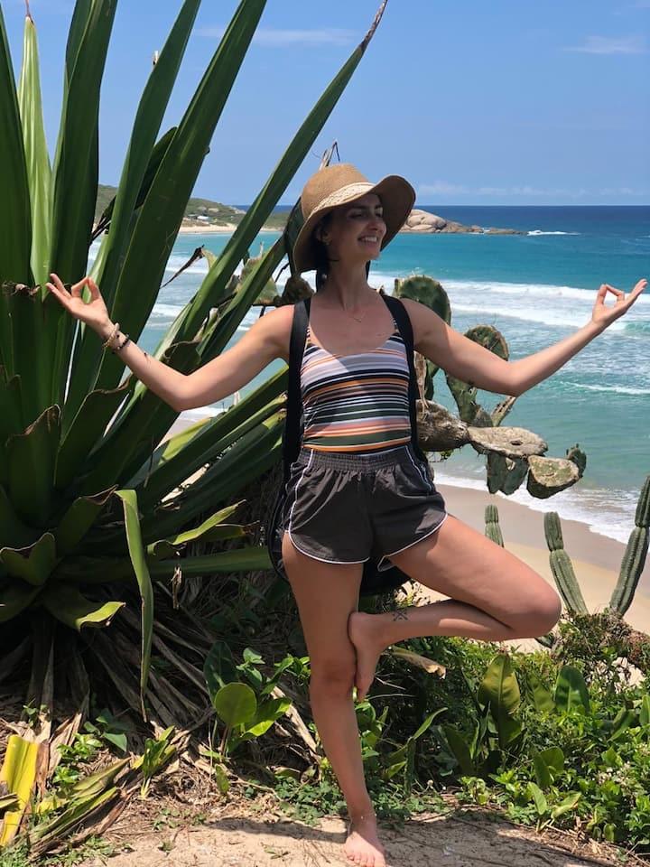 A guia e instrutora de yoga Priscilla