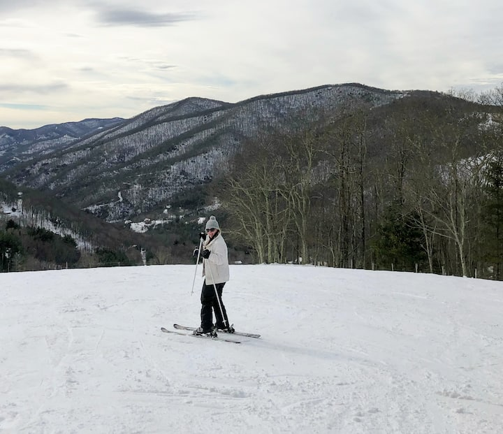Ahhh, to ski without crowds!