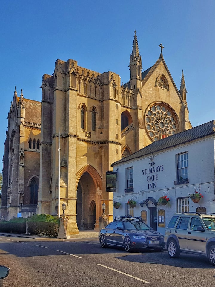 Arundel Cathedral and traditional pub