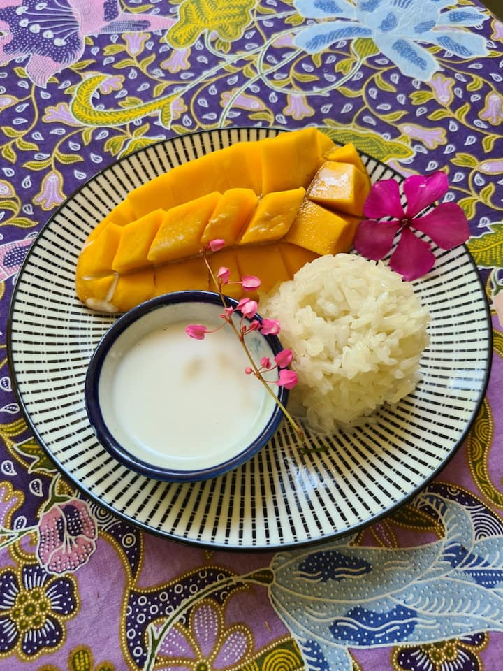 Mango Sticky Rice, Thailand's famous dessert. I prefer to call it, my private heaven.