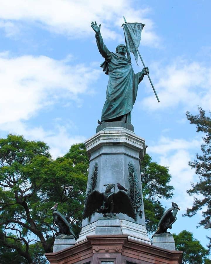 Monumento a Miguel Hidalgo en Dolores
