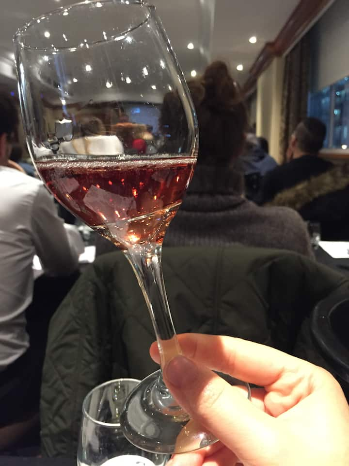 Evaluating wine