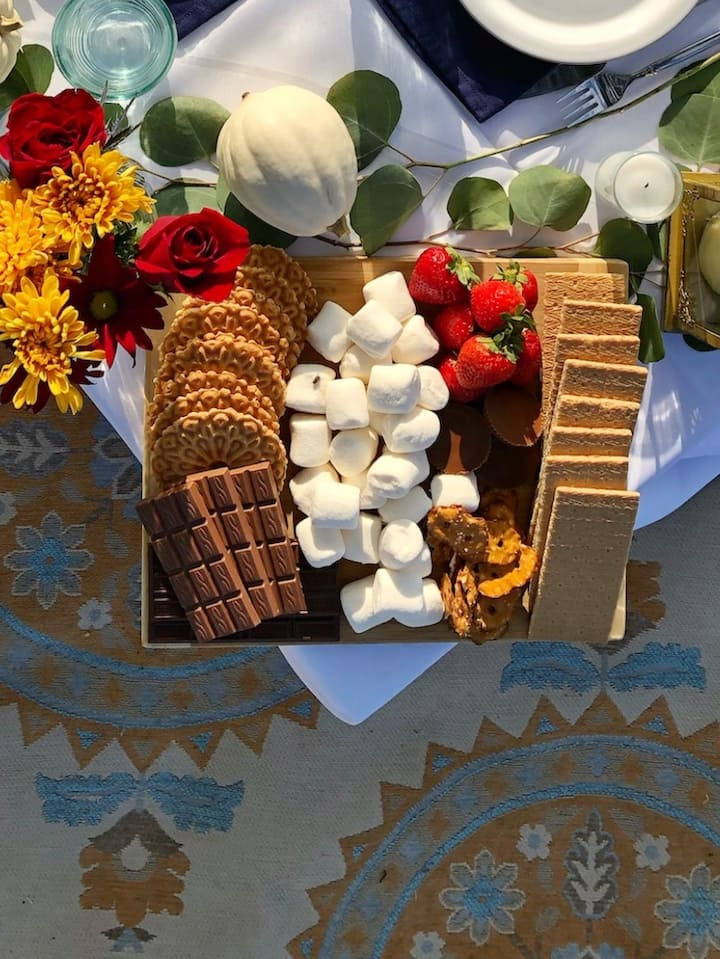 Several chocolate and cookie options.
