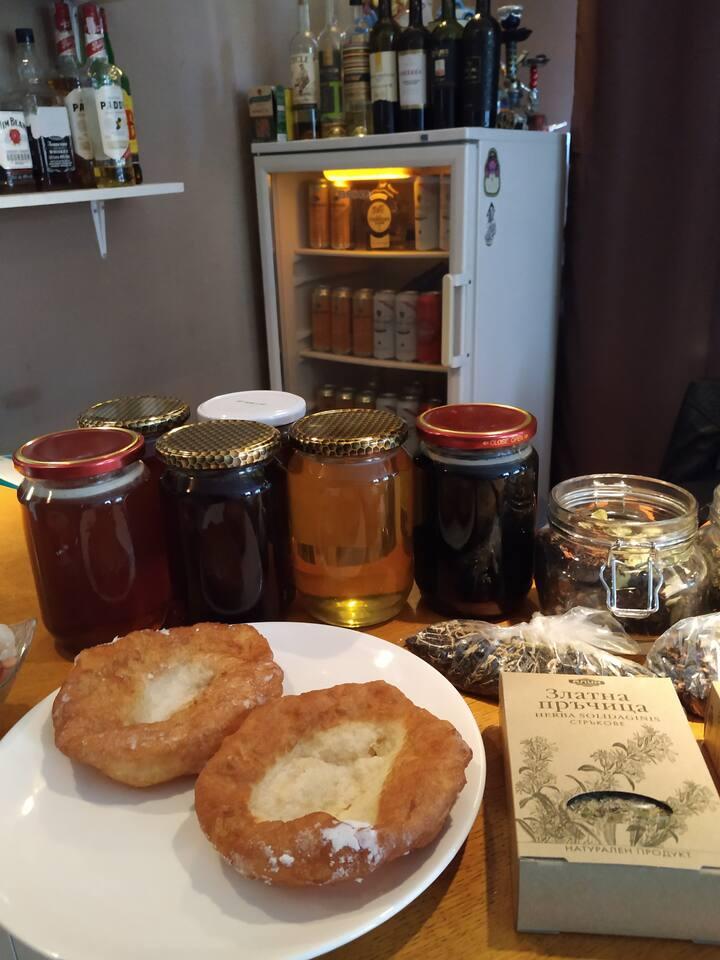 """100% natural herbal honey with """"mekitsa"""""""