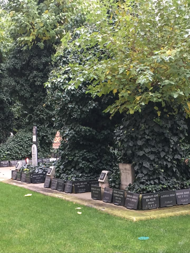 Cemetary at the Great Synagogue