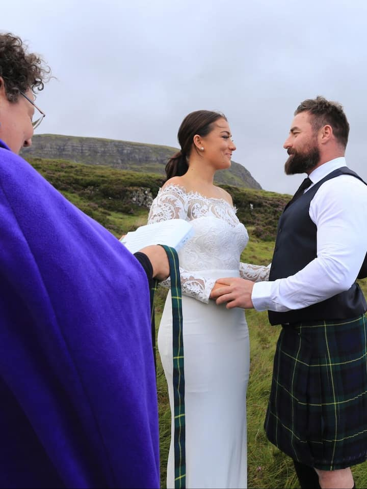 Romantic vows in iconic beauty spots