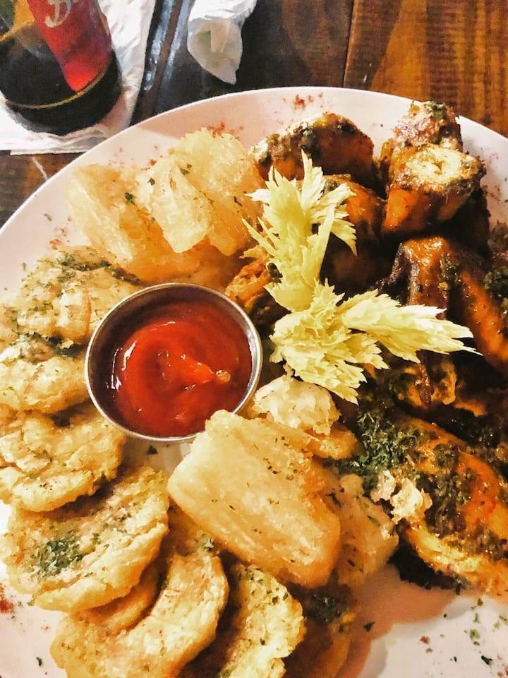 Plantains, cassava and chicken