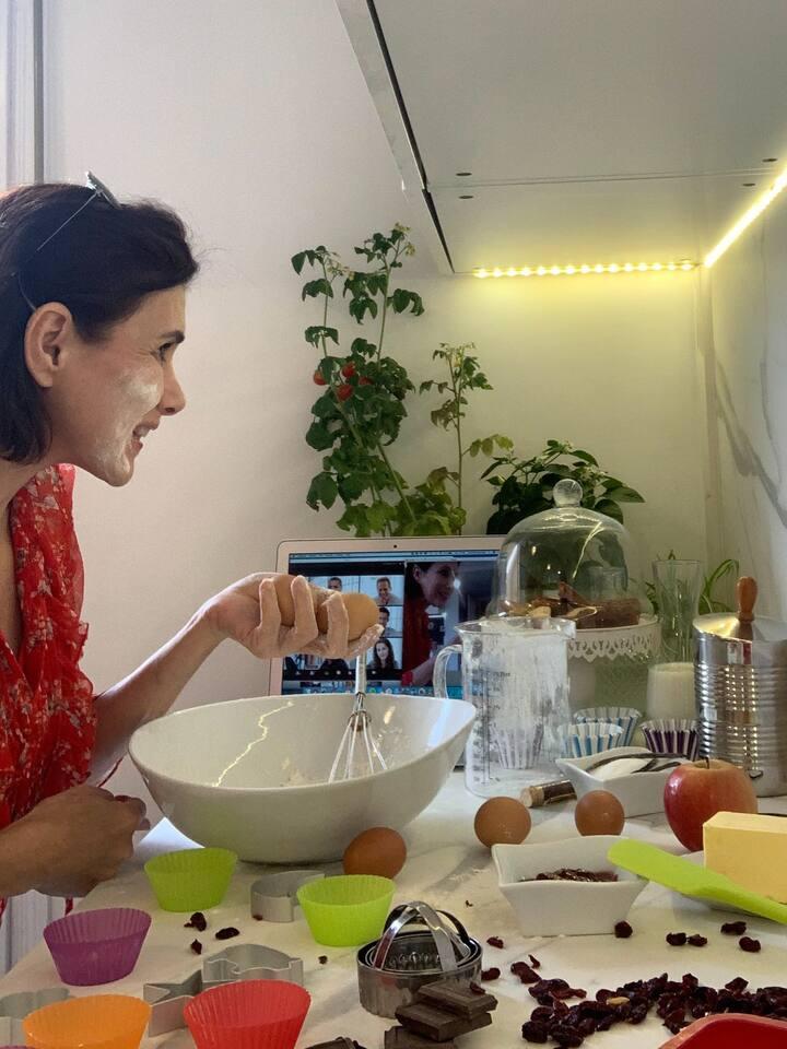 Macaron online cooking class